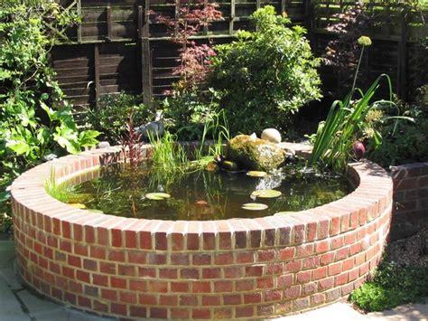 laghetti giardino offerte attrezzare il giardino in fai da te con mattoni
