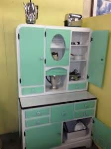 best 25 vintage kitchen cabinets ideas on pinterest vintage kitchen cabinet ideas 7397 baytownkitchen