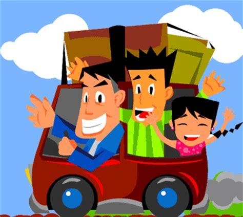 mendengarkan musik di mobil membuat perjalanan mudik lebih tips mudik menggunakan mobil