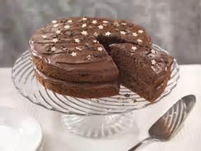schokolade kuchen rezepte milk chocolate fudge cake recipe 187 bake with stork