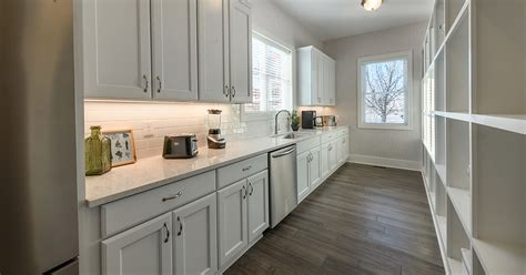 messy kitchens   newest custom home trend