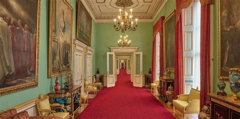 decant   east wing  buckingham palace  royal