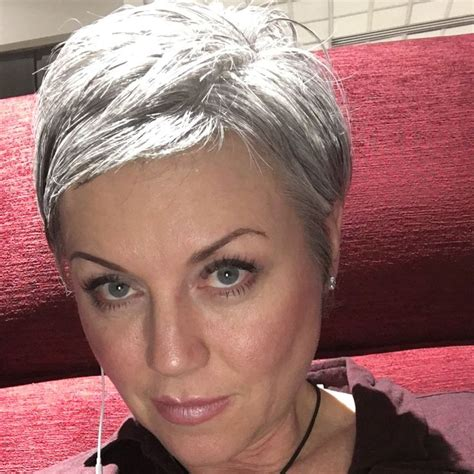pixie hairstyle for greying hair 4491 best silver haired beauties images on pinterest
