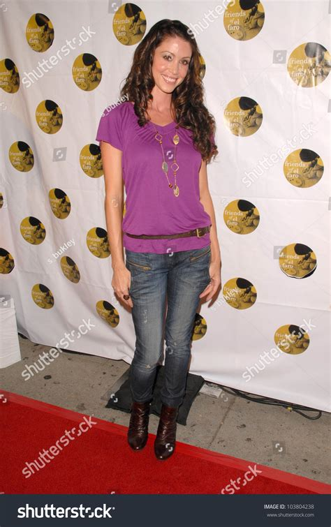 Sixth Annual Gala Benefit For Only Make Believe by Shannon Elizabeth At The 6th Annual Friends Of El Faro