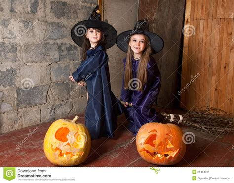 libro two little witches a two little witches stock image image 26464311