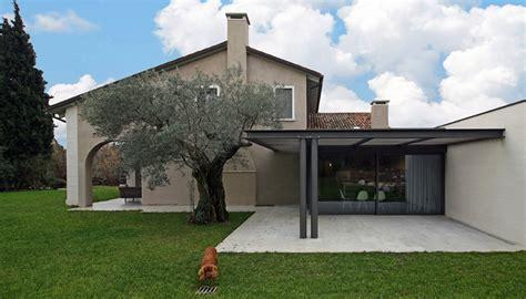 progetto casa mogliano liamento di una villa in veneto pietra ferro e legno