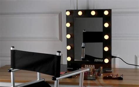 console trucco specchio con ladine intorno alla cornice