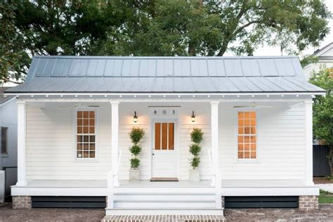 cottage style porch for ranch homes oltre 1000 idee su white houses su pinterest case paese