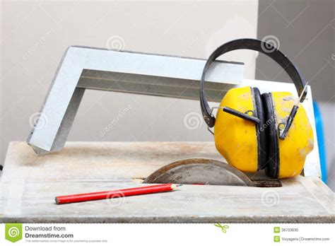 work tools saw cutter to cut tile protective headphones