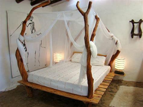 schlafzimmer mit baldachin 35 fantastische ideen f 252 r bett aus paletten archzine net
