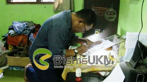 Stempel Tiongkok usaha stempel batik tetap jaya di tengah serbuan batik printing