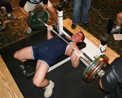 bench press elbows in 6 awesome bench press tips to protect your shoulders
