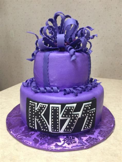 purple kiss cake  cake    young lady turning  flickr