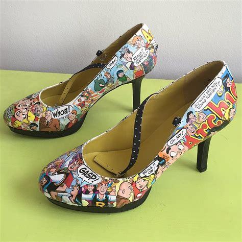 comic shoes diy diy comic book shoes popsugar tech