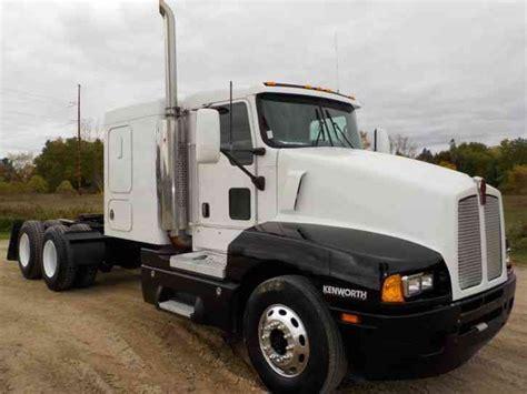 Flat Top Sleeper Trucks For Sale by Kenworth T600 2006 Sleeper Semi Trucks