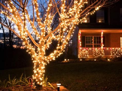How To Wrap Lights by How To Decorate Your Windows For Renewal By