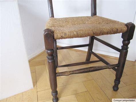 sehr dunkler stuhl 1 sehr alter worpsweder stuhl mit binsengeflecht