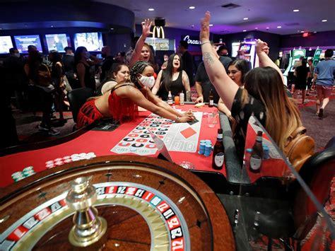 situs judi poker  pkv games bandarq
