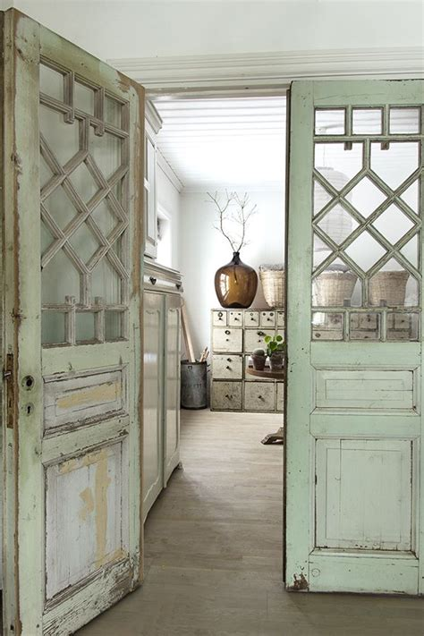 25 best ideas about vintage interiors on