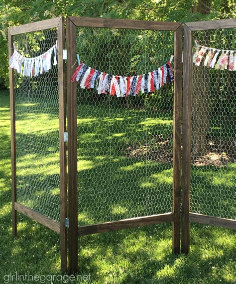 DIY Folding Display with Chicken Wire   Girl in the Garage®