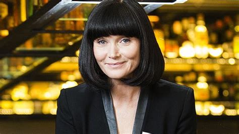 essie davis bob haircut essie davis says third series of popular abc crime drama