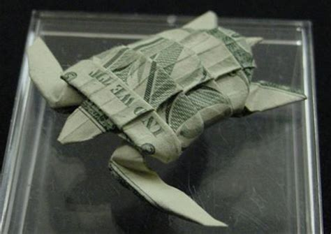 Dollar Bill Origami Turtle - amazing collection of origami made out of dollar bills