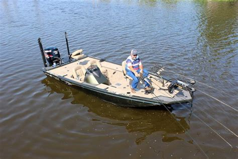 reviews on war eagle boats research 2017 war eagle boats 961 predator on iboats