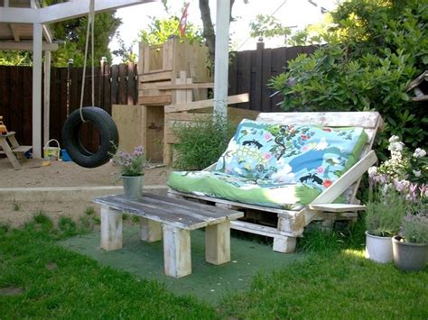 Patio Furniture You Can Sleep On 39 Outdoor Pallet Furniture Ideas And Diy Projects For Patio