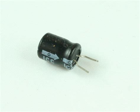 1uf 16v electrolytic capacitor capacitor cl 28 images potentiometers er477m16v10x2085 cl itt capacitor 470uf 16v aluminum