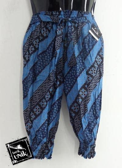 Celana Pendek Bahan Wanita Motif baju batik celana pendek katun wanita motif parang liris