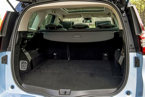 renault grand scenic luggage new renault grand scenic 1 5 dci signature nav 5dr diesel