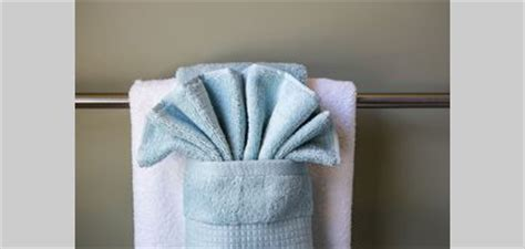 hanging bathroom towels decoratively how to hang bathroom towels decoratively