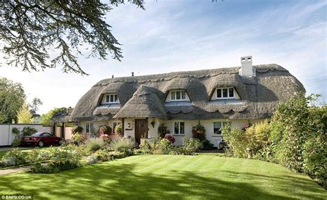 Cottages For Sale In The Uk by Christchurch Dorset Is This The Prettiest Cottage In