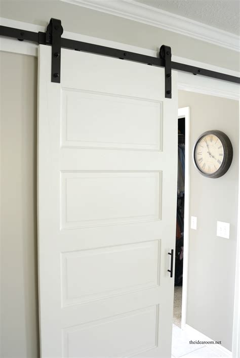 white barn door barn door
