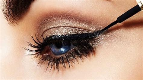 7 Tricks For Applying Eyeliner by Five Tricks For Applying Eyeliner