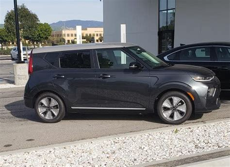 2020 Kia Soul Ev Availability by All New 2020 Kia Soul Electric Spotted In New Colors