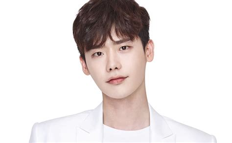 lee jong suk latest film lee jong suk in talks to star in new sbs drama soompi