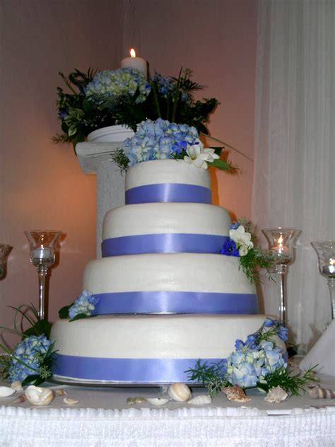 Wedding Budget Yahoo Answers by Looking For A Navy Blue White Wedding Cakes