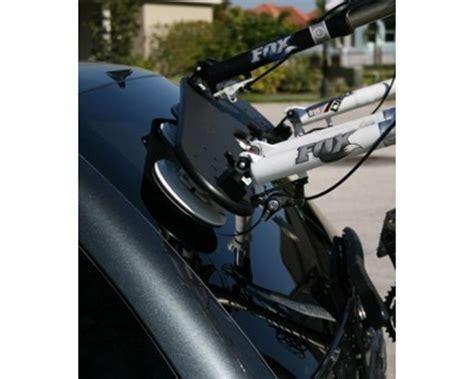 seasucker bomber fork mount 3 bike rack w 3 rear wheel