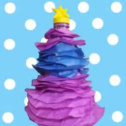 arbol navidad plastico 193 rbol de navidad con botellas de pl 225 stico de libros y
