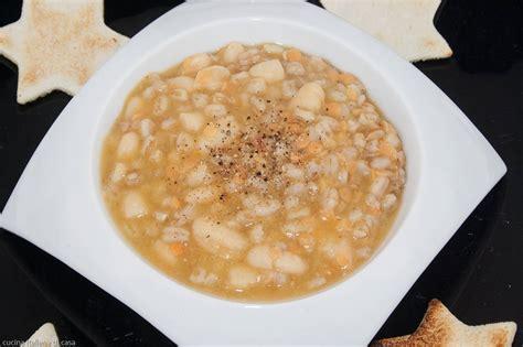 ricette di cucina come preparare la zuppa di legumi e cereali
