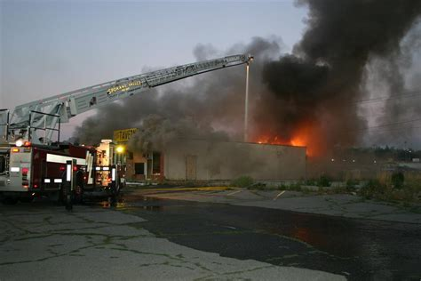 squire tavern burns in morning blaze the