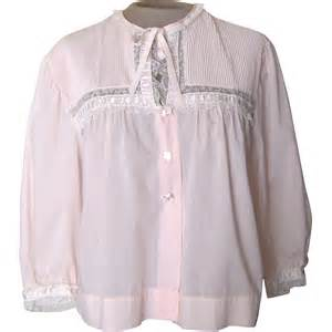 vintage light pink lightweight bed jacket with lace from