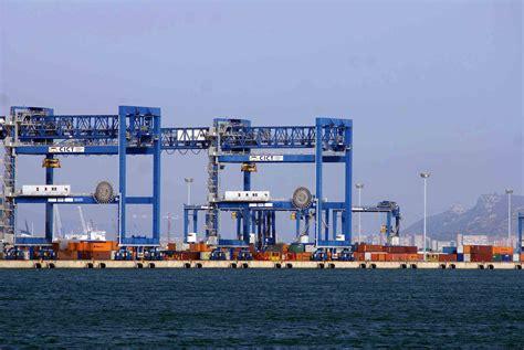 come entrare nella capitaneria di porto documenti falsi mercantile bloccato al porto canale di