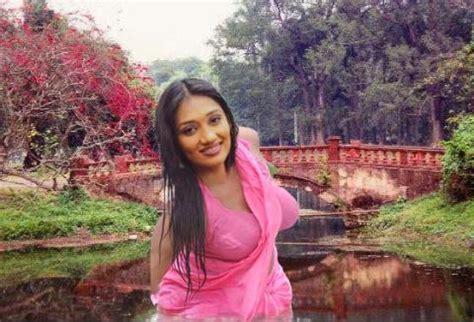 Upeksha Swarnamali Saman S Mobile Blog Saman Peperonity Com