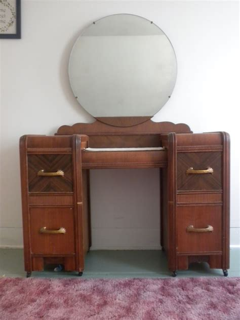 antique bedroom furniture styles 1930 furniture styles have an art deco waterfall style bedroom set vanity with