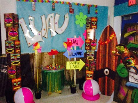 Decoration Theme Danse by Hawaiian Luau Decorations School Dinner Ideas
