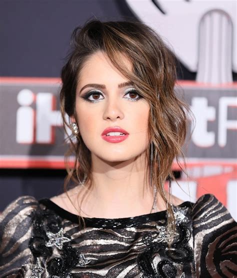 did laura marano really cut her hair laura marano did she cut her hair did laura marano really