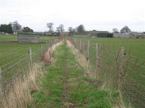 cherry tree farm bridleway near cherry tree farm 169 david anstiss geograph britain and ireland
