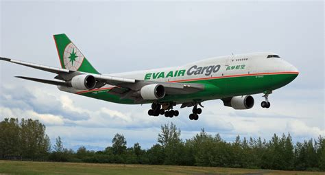 file air 747 cargo jet about to land at anc 6310587117 jpg wikimedia commons